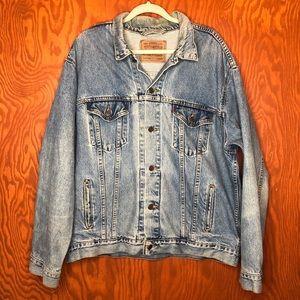 Vintage Levis Trucker Denim Jacket XL Men Light Blue Jean Made in USA